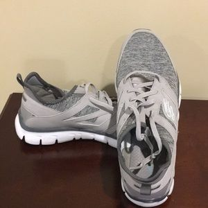 Sketchers Sneakers! Barely worn!